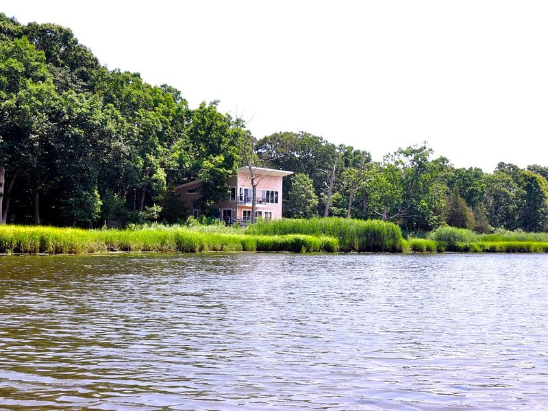 The Perfect Setting for a Magical Summer, holiday rental in New Suffolk