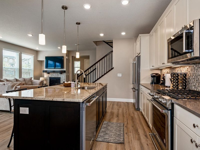 New Meadows Townhome with All the Comforts of Home, location de vacances à Parker