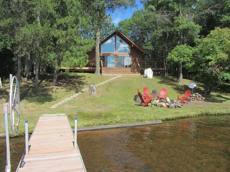 Cabin on Lake Minerva, Danbury WI, holiday rental in Danbury