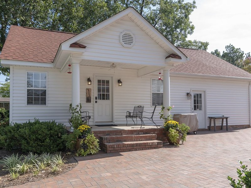 Located in the heart of Lexington Historic District, holiday rental in Clemmons