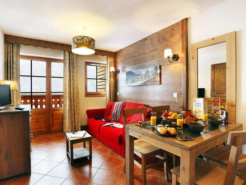 Wifi, piscine, terrasse, balcon, parking, télévision, casier à ski, 37m², Châtel, casa vacanza a Morgins