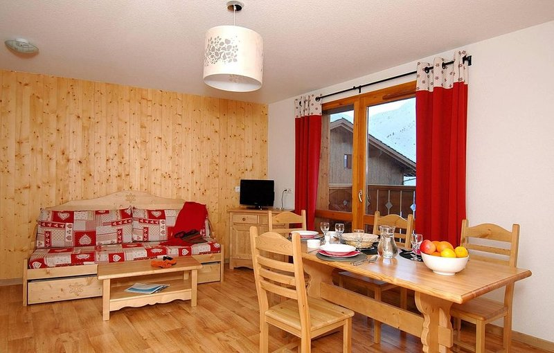 Pied des pistes de ski, remise en forme, piscine, terrasse, balcon, parking, tél, holiday rental in Valmeinier