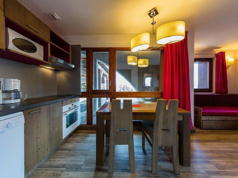Wifi, à 100m des pistes de ski, remise en forme, piscine, balcon, casier à ski,, aluguéis de temporada em Risoul