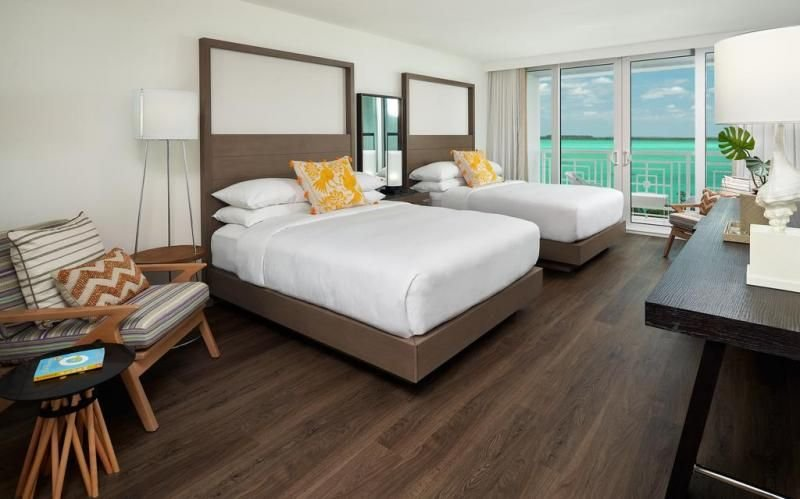 Beach Getaway! Design Water View Unit for 4 Guests, Private Beach, 2 Pools, holiday rental in Sunset Point