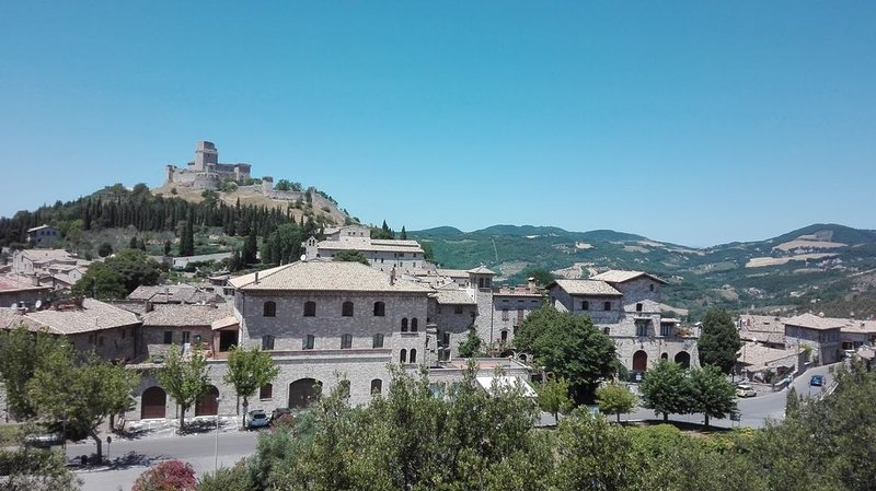 CASA DEL FRATE AD ASSISI, holiday rental in Sant'Apollinare