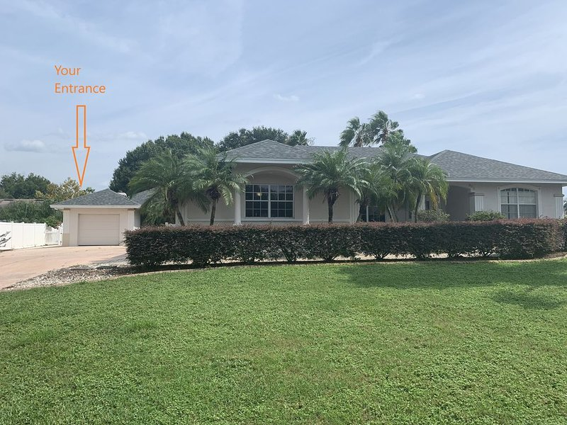 Private Mother-in-law Suite near Disney, holiday rental in Auburndale