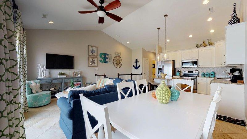 Oceanfront complex with community pool, Sleeps 11., location de vacances à Holly Ridge