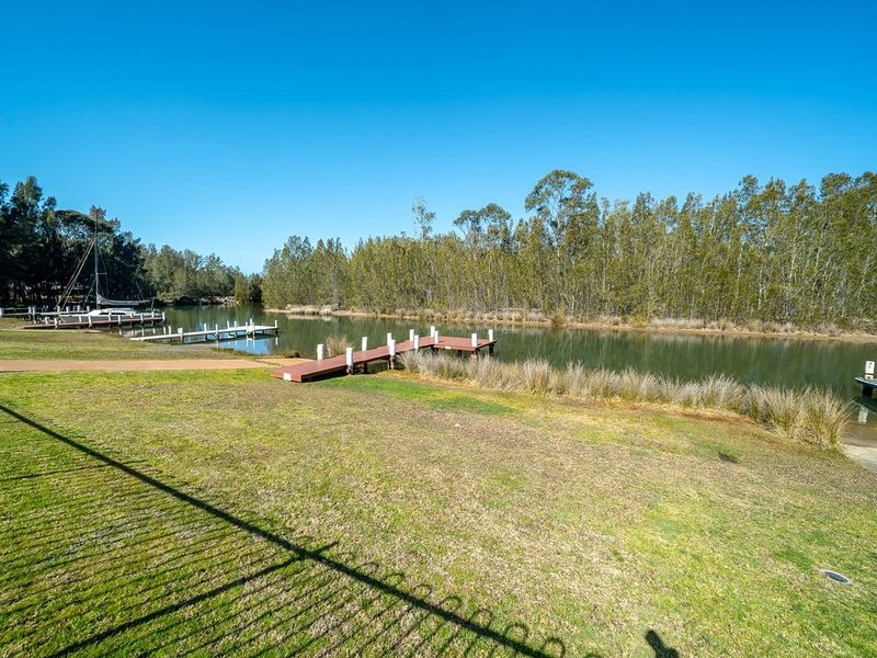 The Jetty * 16 Panorama Road, St Georges Basin, vacation rental in Wandandian