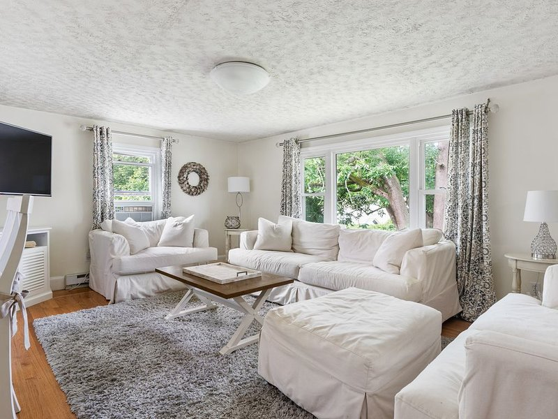 Relaxing Charmer near Newport, holiday rental in Middletown