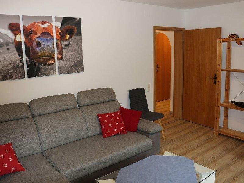 Ferienwohnung mit Terrasse und kleinem Garten, holiday rental in Nesselwang