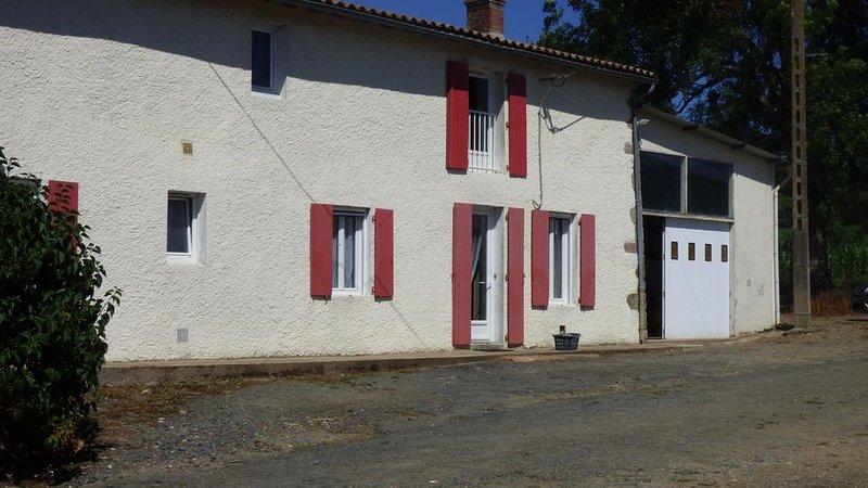 Charmante maison de campagne, holiday rental in Saint-Georges-de-Montaigu