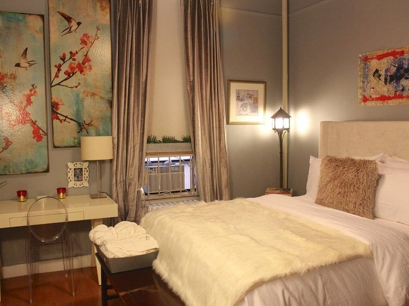 Boutique Luxury in the Heart of Chelsea, holiday rental in Hoboken
