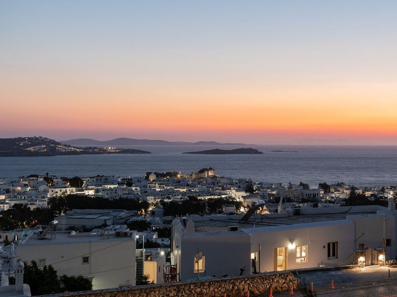 'GaZìa'. Exquisite sea view apartment in Mykonos town., holiday rental in Agios Sostis
