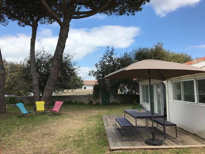 Villa - 6 personnes - 3 Chambres - Jardin - Wifi - Bord de Mer - Ile de Ré, holiday rental in Sainte Marie de Re