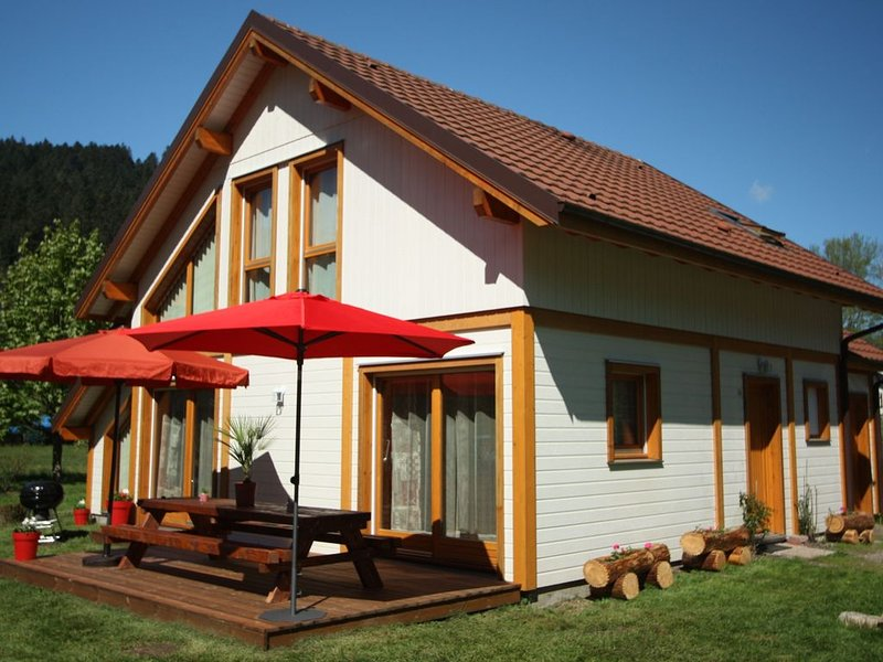 Chalet 'Le Maïdo', Gérardmer, 100m du lac, 3*, tout confort, calme avec terrain, alquiler de vacaciones en Gerardmer