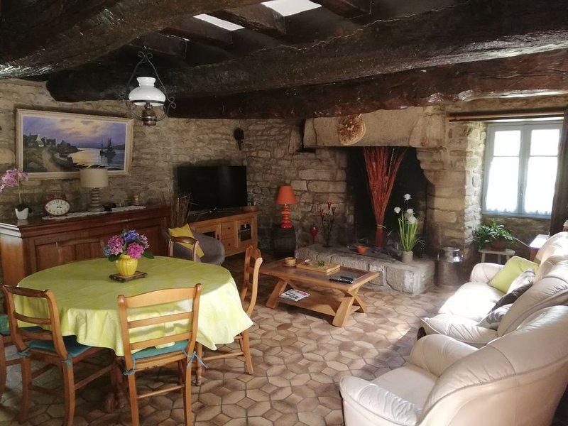 Gîte individuelle de caractère du 17ème siècle située à prox d'une ferme, location de vacances à Questembert