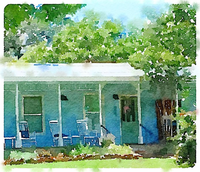 Miss Nora's Cottage Pet-friendly Cottage near Llano River and Courthouse Square, holiday rental in Bluffton