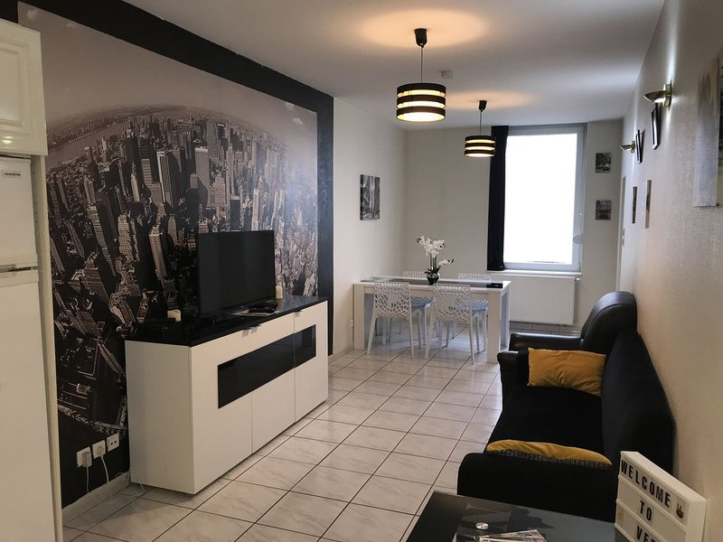 Sympathique logement à deux pas du quai de Londres (centre-ville), aluguéis de temporada em Saint-Maurice-sous-les-Cotes