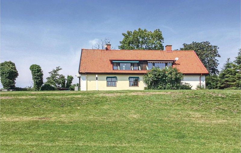 3 Zimmer Unterkunft in Smygehamn, vacation rental in Svedala