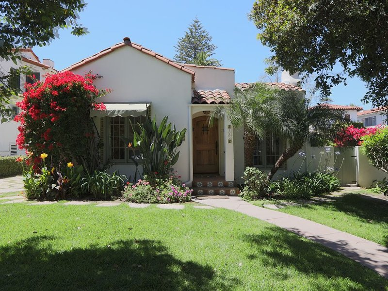 Location-Location-Location!! Unique House in beautiful West Beach, holiday rental in Santa Barbara