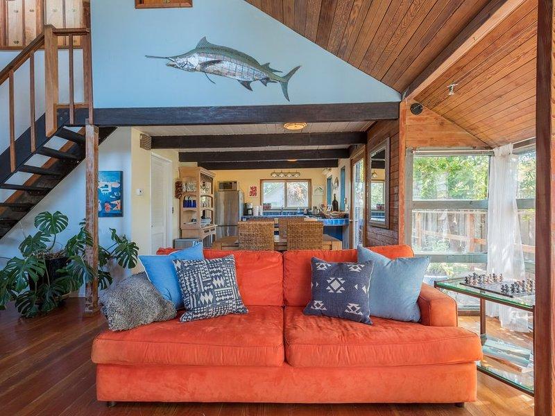 Safe from Crowds, Designer Home, Steps 2 Beach, Hot tub, near Harbor, Pets okay, vacation rental in Santa Cruz