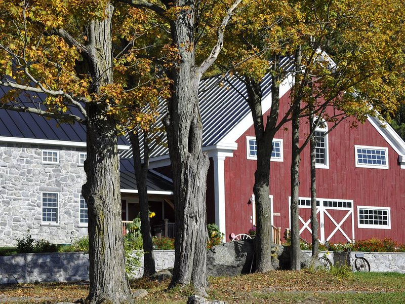 Unforgettably Vermont Timber Frame Lodge, holiday rental in Fairfax