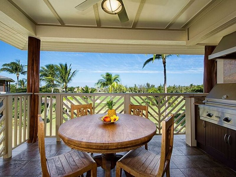 Beautiful Penthouse Villa ! Best View!  $50 Golf + Everything you need. 2BR 2BA, vacation rental in Waikoloa