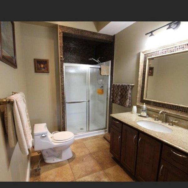 bottenvåningen badrum