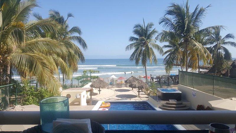 Punta de Mita Beachfront Condo With Amazing Views and Fiber Optic internet!!, location de vacances à Punta de Mita