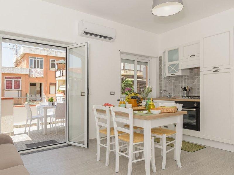 Ganzirri Suite, rifinito appartamento (4 p.letto) con veranda, vacation rental in Torre Faro