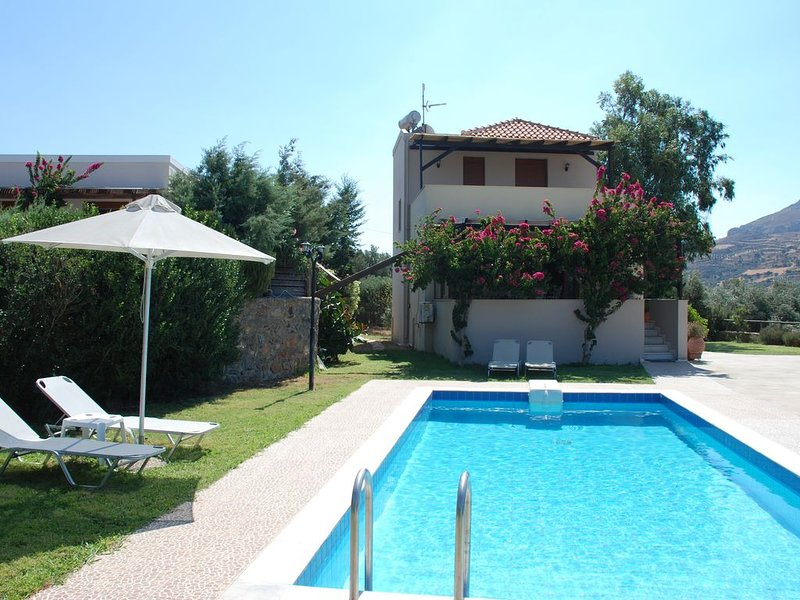 Fully equipped villa with pool in Lefkogia, South Crete, Greece, holiday rental in Agios Vasileios Municipality