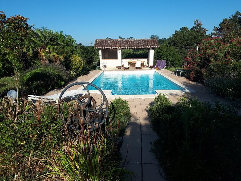 Le Gite de Terras - Piscine- Pool house - Parc, holiday rental in Albefeuille-Lagarde