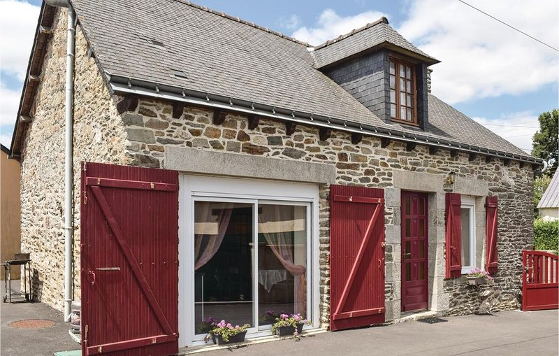 2 Zimmer Unterkunft in Le Cambout, holiday rental in Rohan