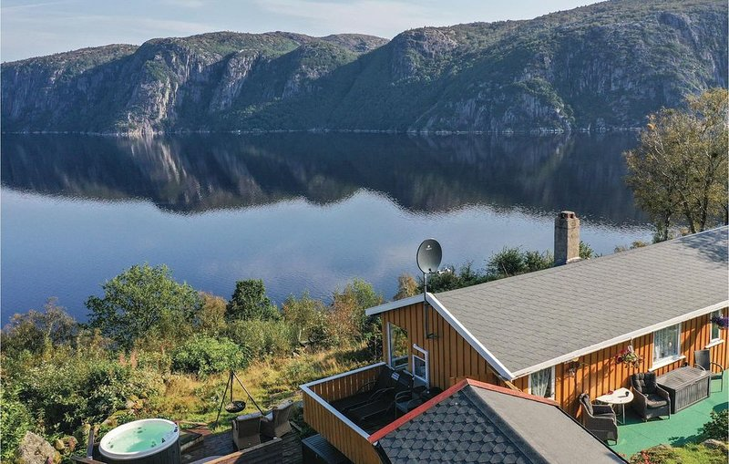 4 Zimmer Unterkunft in Farsund, vacation rental in Kvinesdal Municipality
