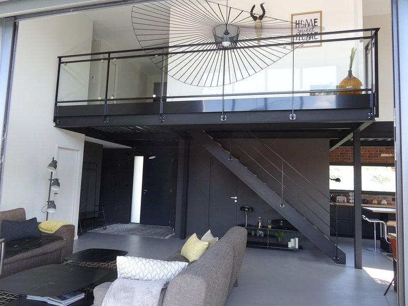 Magnifique maison très agréable-Lumineuse- Calme et Nature, holiday rental in Bort-l'Etang
