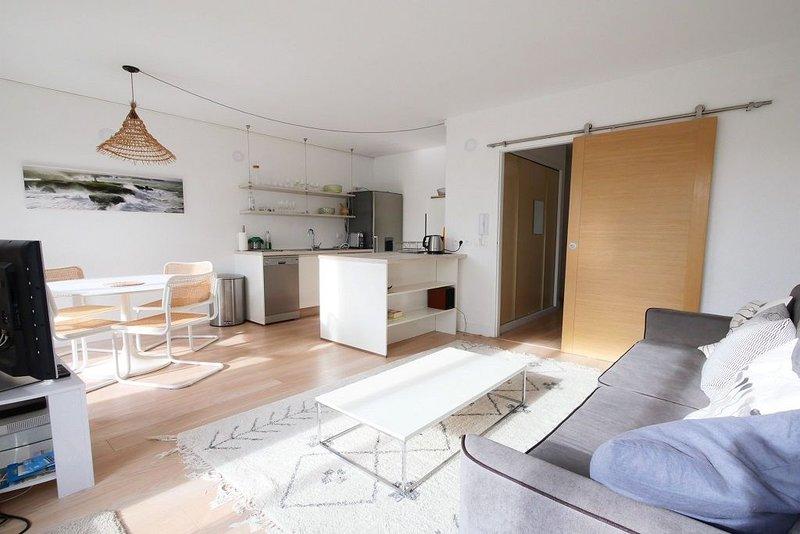 T2  terrasse, piscine, ☆La Rochelle☆ Aux Minimes ☆ Meublé de tourisme 2 étoiles, vacation rental in La Rochelle