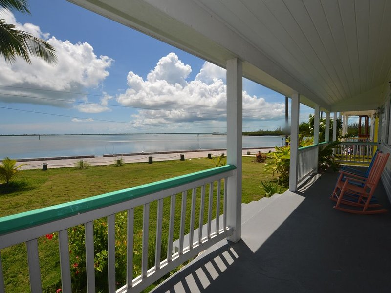 Harbourfront Home with spectacular views of the East Entrance to Spanish Wells, holiday rental in Saint Georges Island