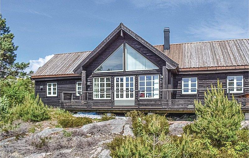 5 Zimmer Unterkunft in Mandal, holiday rental in Kristiansand