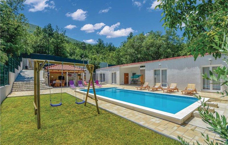 3 Zimmer Unterkunft in Kucice, location de vacances à Podaspilje