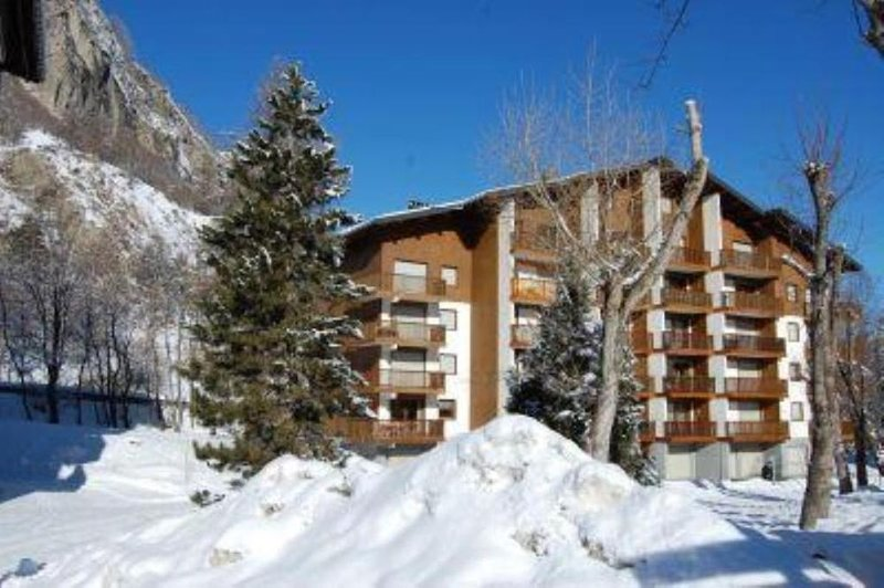 Promotion 1-15/02 - 29/02-7/03 Appartement calme et central avec balcon Valloire, holiday rental in Valloire