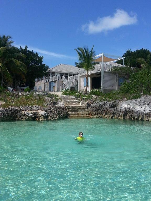 ¡Bienvenido a Bluemoon! ¡Retiro familiar asequible ahora con dos kayaks! Frente al mar!