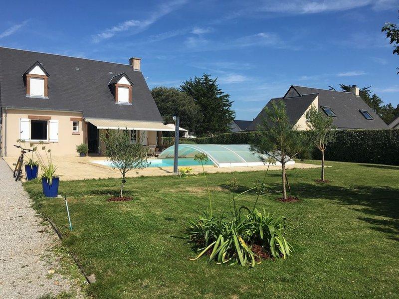 A 300m de la mer, maison 4 ch. 8 pers. avec piscine chauffée, alquiler de vacaciones en Saint-Jean-de-la-Riviere
