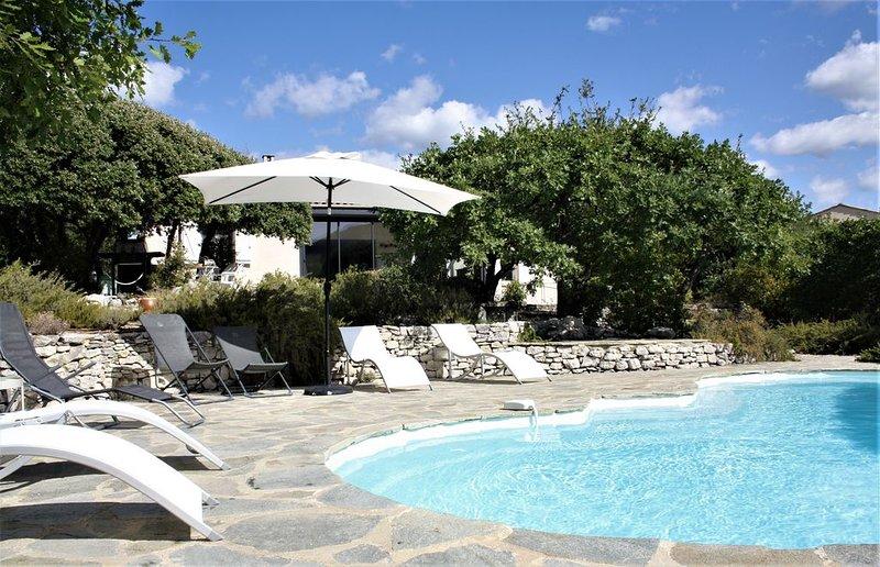 Villa avec piscine et vue sur Mont Ventoux, location de vacances à Mollans sur Ouveze