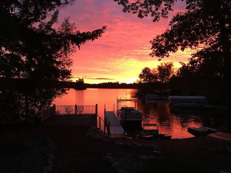 North Woods Getaway at Archibald Lake, casa vacanza a Lakewood