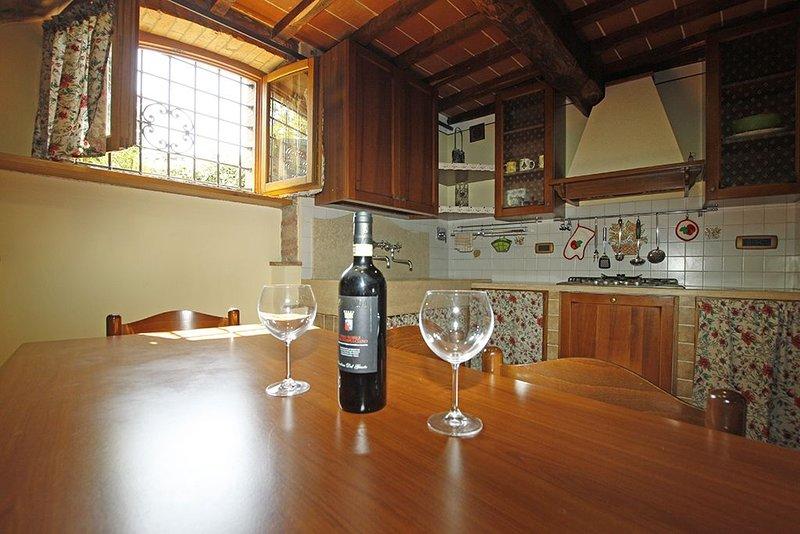 Esclusivo Tower (terratetto) in pietra., holiday rental in Campriano