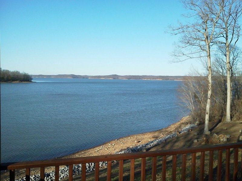 Kentucky Lake Waterfront -close to LBL- perfect for family reunions, location de vacances à Bumpus Mills