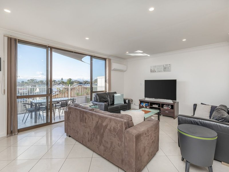 Appealing Henley Beach Holiday, Company or Relocation Home - Pet Friendly, alquiler vacacional en Greater Adelaide