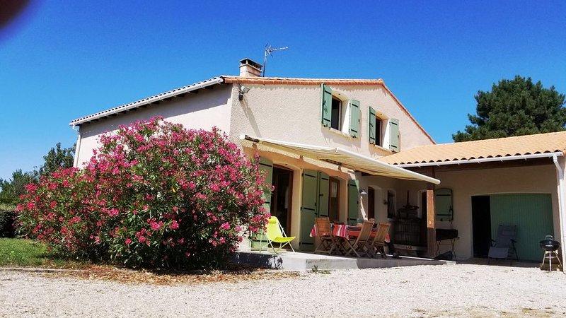 Maison familiale calme et à proximité de la mer, vakantiewoning in Saint-Palais-sur-Mer