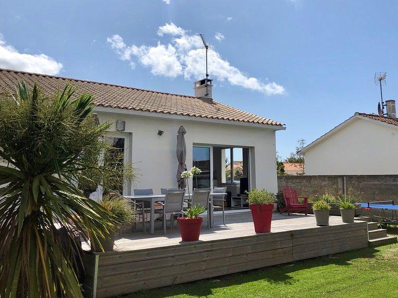 Charmante maison avec jardin proche plage et commerces, alquiler de vacaciones en Saint-Gilles-Croix-de-Vie