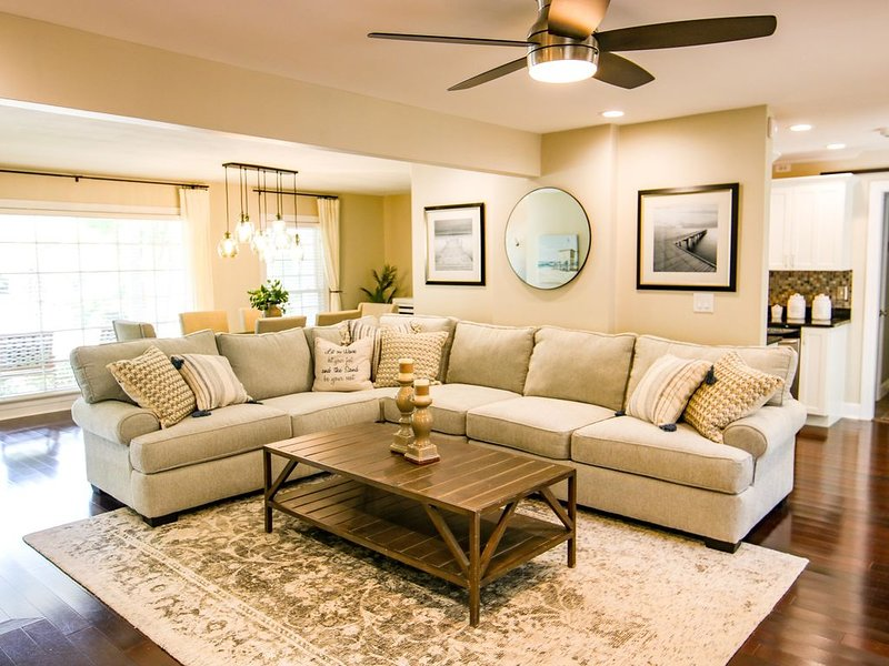 Updated Charming Home, Close to Beach & Downtown, vacation rental in Sullivan's Island